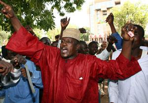 Ciudadanos chadianos se manifestaron ayer en protesta por las palabras de Sarkozy. (Foto: AFP)
