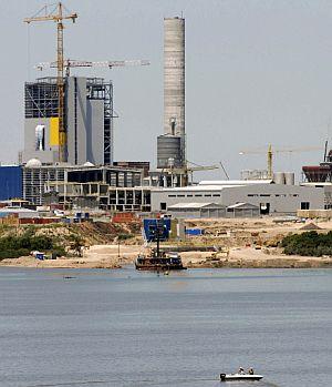 La planta, en pleno proceso de construcción. (Foto: AFP)