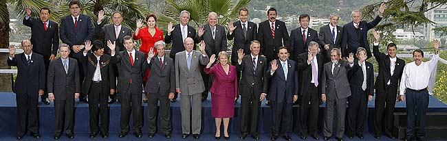 Los participantes de la XVII Cumbre Iberoamericana de Jefes de Estado y de Gobierno. (Foto. EFE)