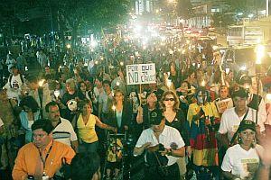 Opositores a la reforma recuperan el lema '¿Por qué no te callas?' del Rey a Chávez. (Foto: EFE)