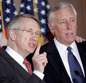 Los líderes demócratas en el Senado, Harry Reid, y la Cámara Baja, Steny Hoyer. (Foto: EFE)