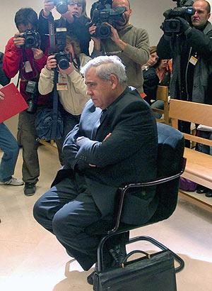 El arzobispo de Granada, hoy, en el juicio. (Foto: EFE)