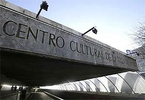 Imagen de la entrada del Centro Cultural de la Villa. (José Ayma)