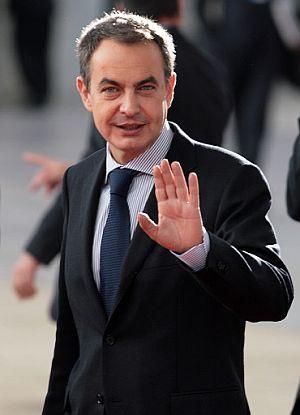 Zapatero, a su llegada a la Cumbre. (Foto: AFP)