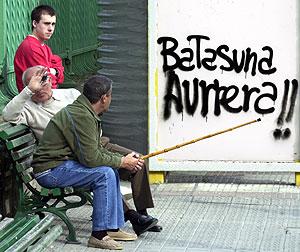 Pintadas contra la ilegalización de Batasuna en Santurce. (Foto: Iñaki Andrés)