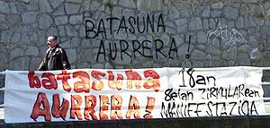 En Bilbao, también hubo distintas manifestaciones contra la ilegalización de Batasuna. (Foto: I.A.)