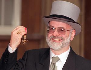 Siempre sonriente, Pratchett, de 59 años, fue galardonado con la Orden del Imperio Británico. (Foto: AP)