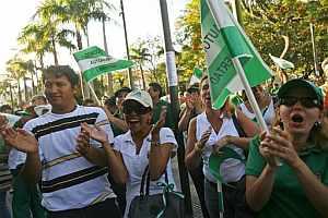 Los grupos opositores se movilizaron contra Evo Morales. (AP)