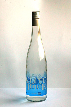 La botella, que vale 8,20 euros. (Foto: Domènec Umbert)