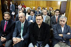 De izquierda a derecha, López Benjumea, Rosell, Caraballo y Corpas, en una de las sesiones del juicio. (Foto: EFE)