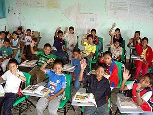 Alumnos de la escuela 'Francisco Villa' de San Juan Panamá (Chiapas). (Foto: J. García)