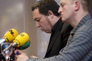 Pernando Barrena y Eusebio Lasa, durante la rueda de prensa. (Foto: Justy García Koch)