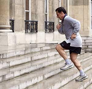 El presidente de Francia cuida mucho su forma física y es habitual verlo correr, incluso en vacaciones. (Foto: AFP)