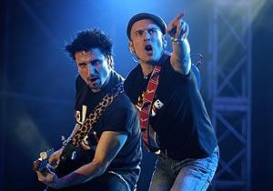 Fito, en un momento de su concierto en Madrid. (Foto: EFE)
