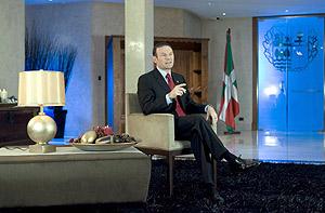Juan José Ibarretxe, durante su mensaje de Fin de Año. (Foto: EFE)