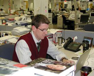 Tom Beaumont, principal corresponsal político de Des Moines Register, en la redacción del diario. (Foto: EFE)