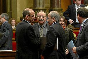 El conseller Baltasar, Carod-Rovira y Montilla, en las Cortes catalanas. (Foto: Q. García)