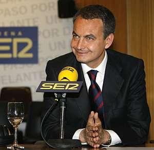El presidente del Gobierno, durante su entrevista en la Ser. (Foto: EFE)