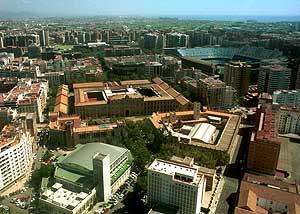 Imagen aérea del entorno en el que se ubica la antigua tabacalera, junto al estadio de Mestalla. (Foto: EL MUNDO).