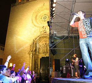 Los palmesanos disfrutan de un concierto el pasado año en Sant Sebastià. Foto: Jordi Avellà