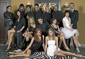 Los actores de la polémica serie 'Sin Tetas no hay Paraíso'.