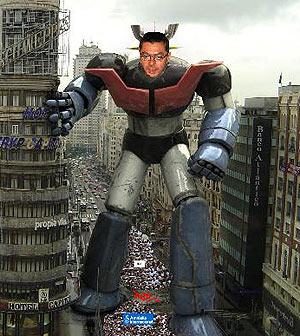 Imagen del fotomontaje que aparece en la página, donde se ve a un Gallardón enorme caracterizado de Mazinger Z.