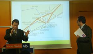 Un momento de la presentación de la propuesta de CiU para infraestructuras. (Foto: Quique García)
