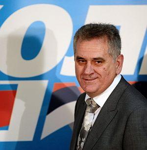 Tomislav Nikolic, tras conocer los resultados. (Foto: AFP)