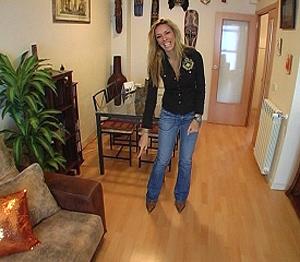 La presentadora y modelo ha sido la encargada de amueblar su casa.