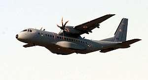 Un avión de transporte militar EADS CASA C-295 como el que se estrelló en Polonia. (Foto: EFE)