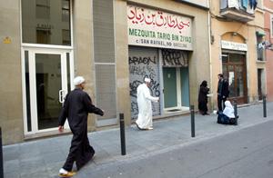Mezquita del Raval de Barcelona a la que acudían algunos de los detenidos. (Foto: Quique García)