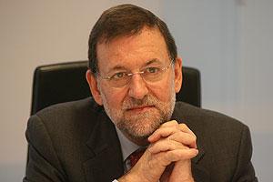 Rajoy, durante la entrevista con el director de EL MUNDO. (Foto: José Aymá)