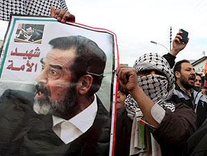 Protesta en favor de Sadam Husein en Jordania. (Foto: EFE)