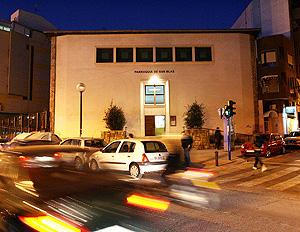 Fachada de la parroquia de San Blas de Alicante. (Foto: Ernesto Caparrós)