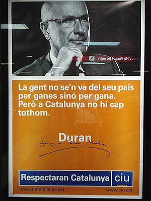 Uno de los carteles. (Foto: el Mundo)