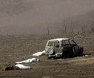 Varios de los once fallecidos viajaban en el todoterreno cuando fueron sorprendidos por las llamas. (Foto: REUTERS)