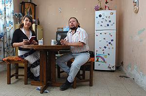 Diana y Mario, podrían ser el primer matrimonio de transexuales en México. (Foto: EFE)