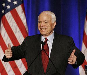 John McCain, antes de un discurso en la capital estadounidense. (Foto: REUTERS)