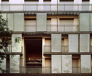 Fachada del edificio. (Foto: : Ángel Baltanás)