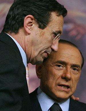 Silvio Berlusconi y Gianfranco Fini en una imagen de archivo. (Foto: AFP   Alberto Pizzoli)
