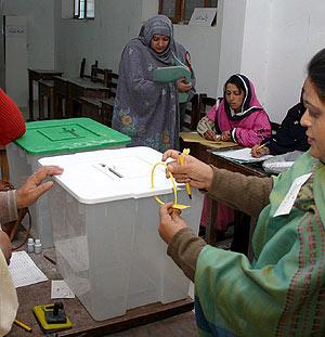 Preparativos para las elecciones en Quetta. (Foto: EFE)