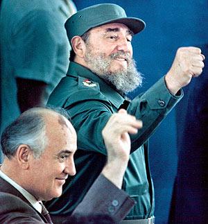 Imagen de archivo de Fidel Castro junto a Mijail Gorbachov. (Foto: REUTERS)