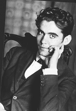 Retrato de Lorca en su casa de Granada, en 1919. (Foto: EL MUNDO)