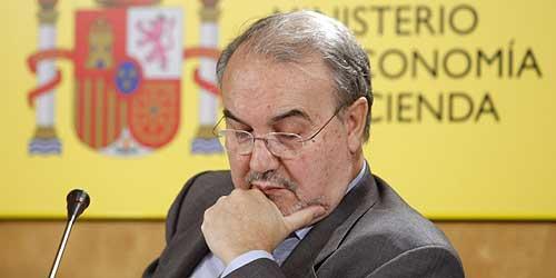 Pedro Solbes, durante la presentación del balance de las Cuentas Públicas. (Foto: EFE/Mondelo)