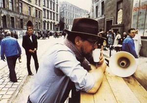 Fassbinder en un descanso del rodaje.