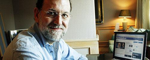 Rajoy, durante el encuentro digital. (Foto: Antonio Galán)