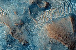 Un terreno arcilloso en Nilli Fossae, Marte, en una de las últimas imágenes de la MARS Reconnaissance Orbiter. (Foto: Hirise | Universidad de Arizona)