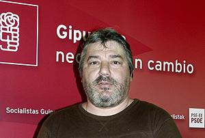 Isaías Carrasco, en un acto del PSE en Guipúzcoa, en 2004. (Foto: AP)