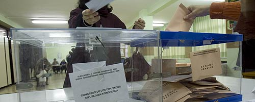 Urnas con votos para el Congreso y para el Senado. (Foto: Mitxi)