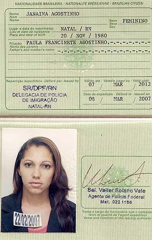 Pasaporte de la ciudadana brasileña a la que han denegado la entrada.